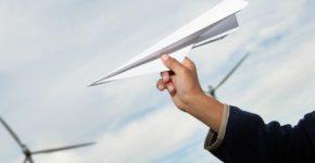 Как сделать бумажный самолётик