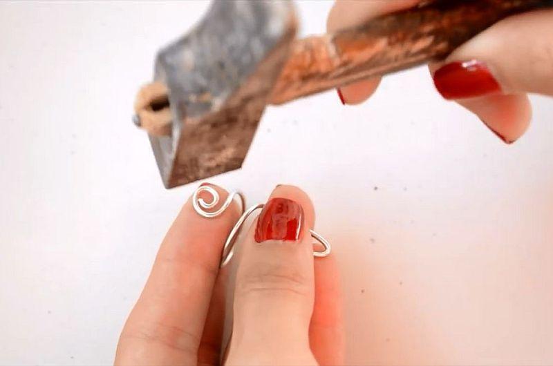 Кольцо-кот из проволоки