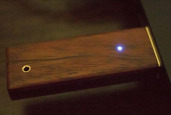 Красивая деревянная флешка своими руками