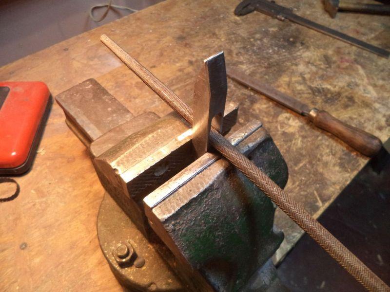 Молоток из железнодорожного костыля (гвоздя) своими руками