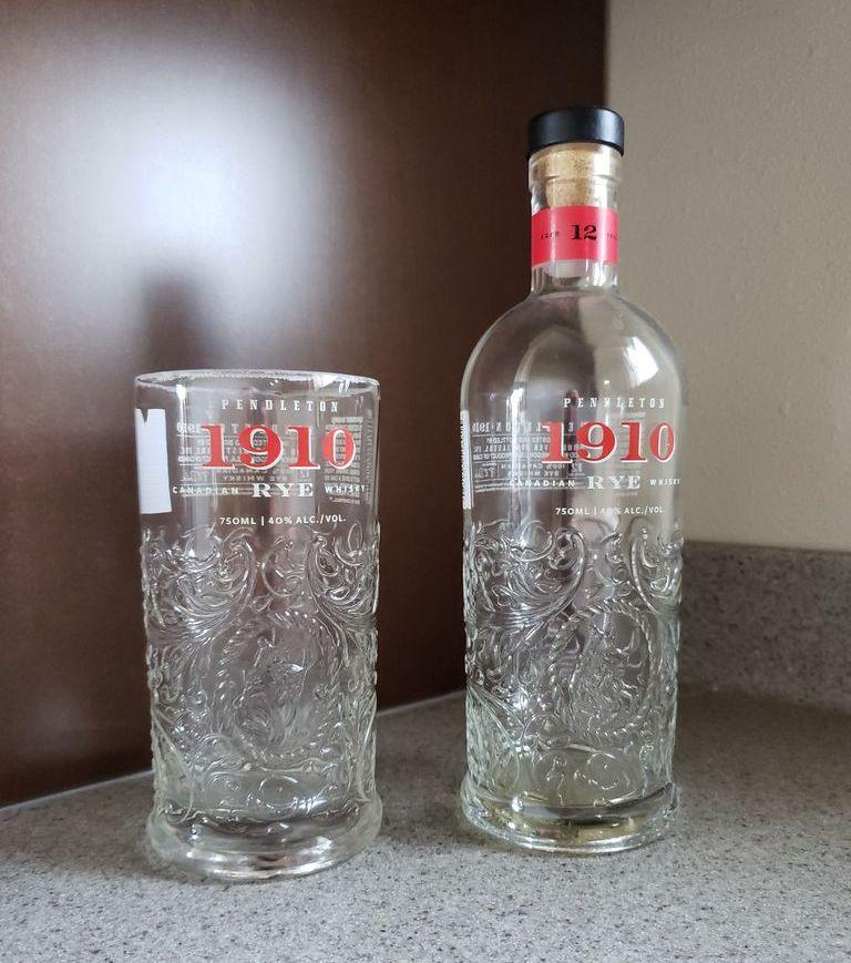 Делаем красивый бокал из бутылки из под виски своими руками