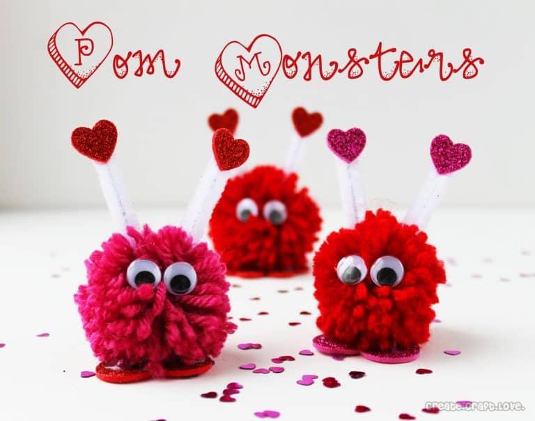 Милые монстры из помпона ко дню святого Валентина
