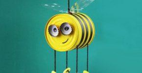 Весёлая пчёлка из консервной банки