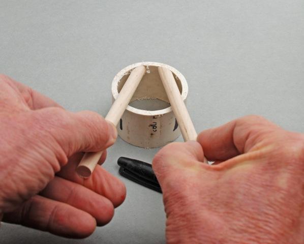 Прищепка-зажим из пластиковой трубы