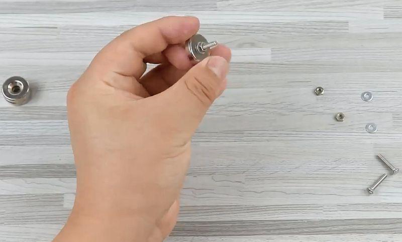Удобная третья рука для пайки