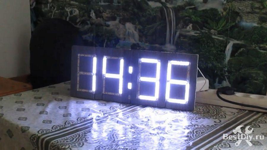 Большие цифровые часы на светодиодной ленте и Ардуино