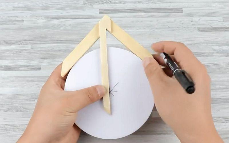 Инструмент для определения центра круга