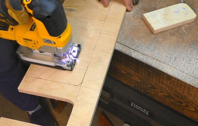 Органайзер для мастерской из пластиковых контейнеров от капсул для стирки