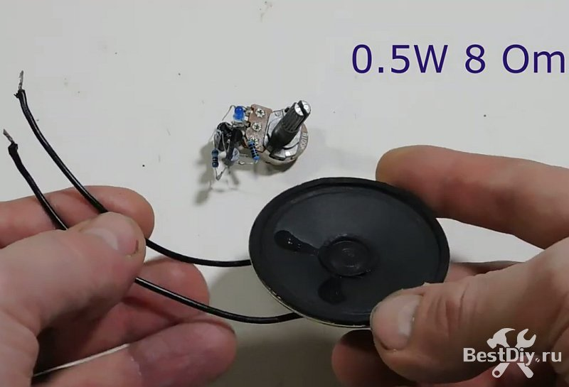 Простой метроном на двух транзисторах