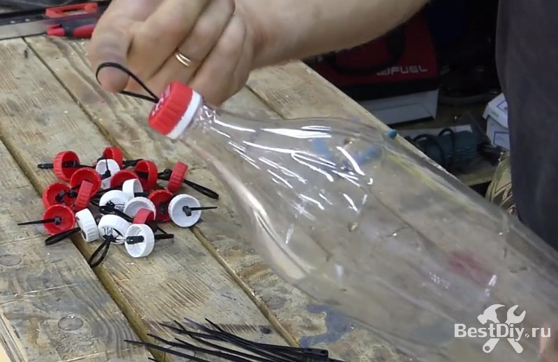 Органайзер для болтов, шурупов, гаек и гвоздей из пластиковых бутылок