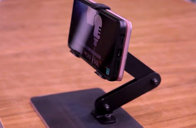 Складная подставка для смартфона