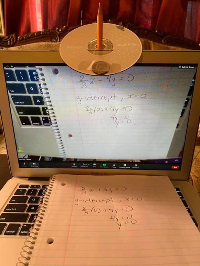 Как показать в вебкамеру ноутбука то, что пишете в тетради