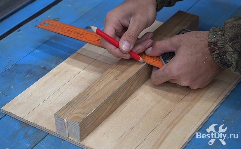 Приспособление для нанесения раствора на плитку