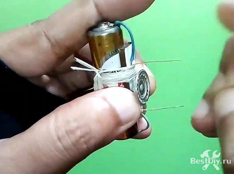 Самодельный микро моторчик на 1,5 В батарейке