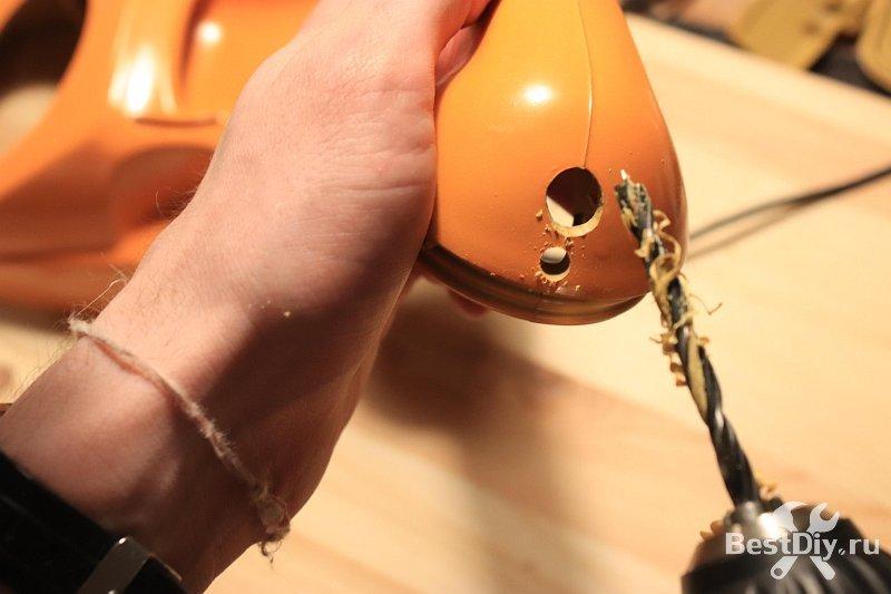Настольная лампа из старого дискового телефона